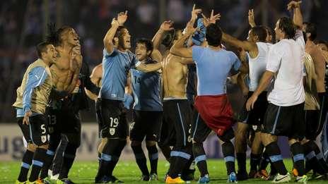 Uruguay-festeja-acceso-Brasil_OLEIMA20131120_0160_5