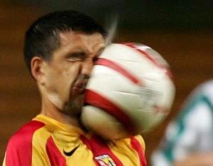 chistedas-graciosas-de-futbol-pelota-300x234