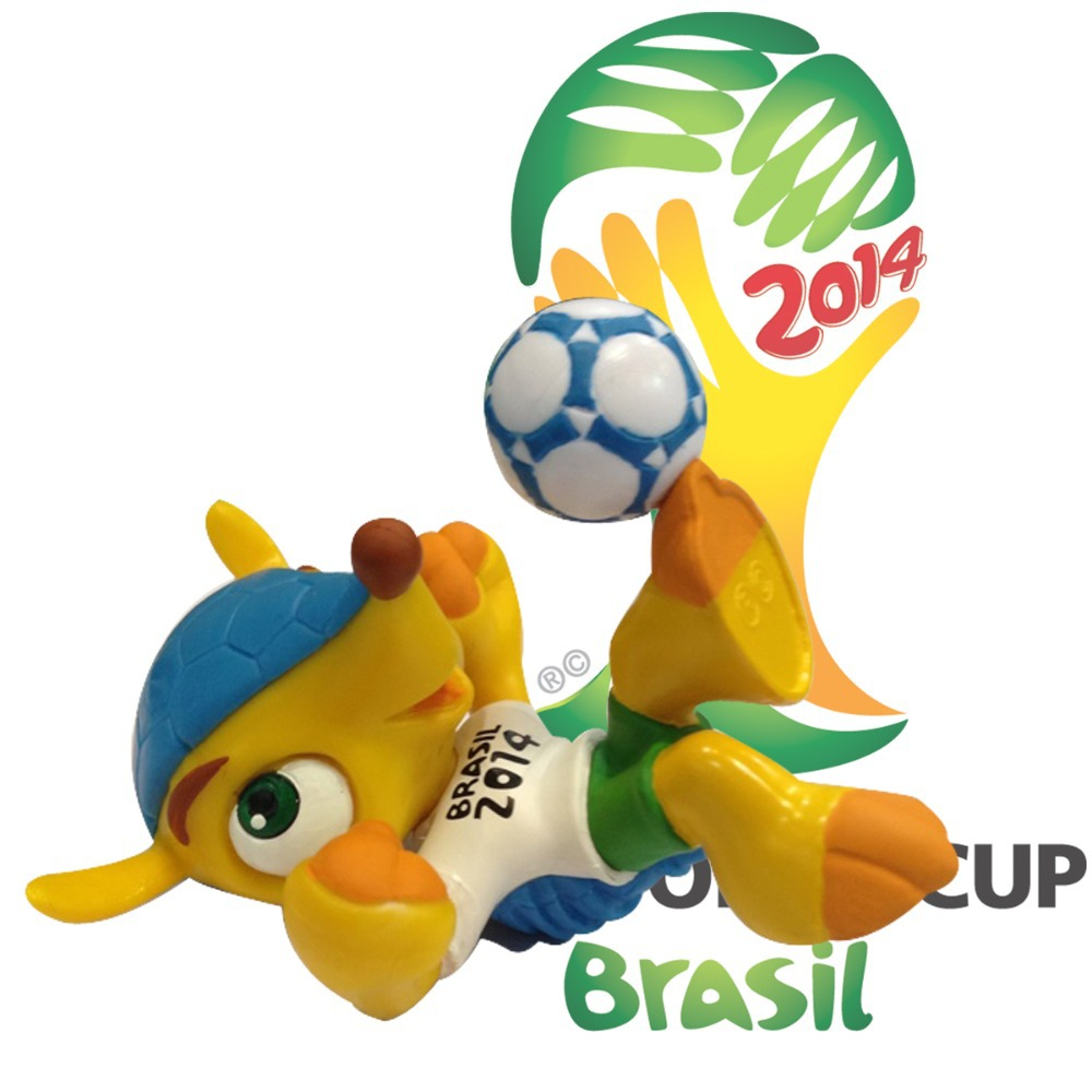 Fuleco-Plush17cm-holding-the-ball-7cm-PVC-3-D-Figurine-Package