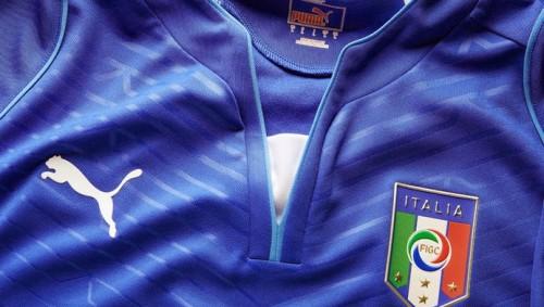 nueva-camiseta-de-Italia-para-el-Mundial-Brasil-2014