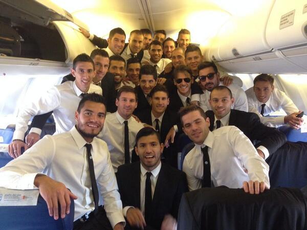 foto seleccion en avion