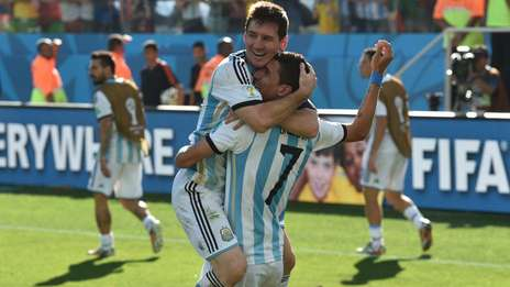 festejo-Di-Maria-Messi-Cracks_OLEIMA20140701_0168_5